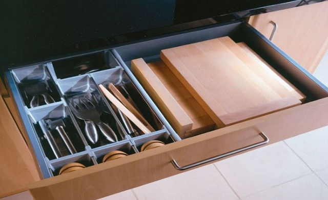 Soft Close Kitchen Drawers and Cutlery Inserts